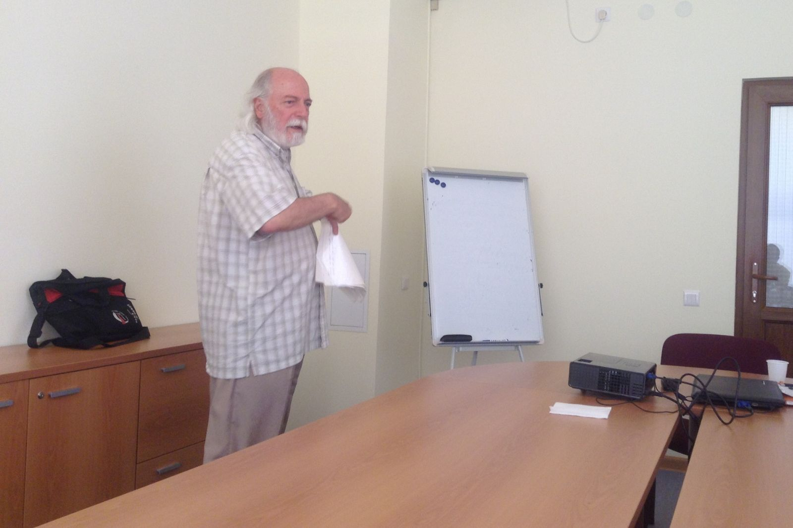 A lecture about Armenian, Azerbaijani, Georgian and Russian identities delivered by Professor Levon Abrahamian for the participants of Armenian Studies summer school 2014