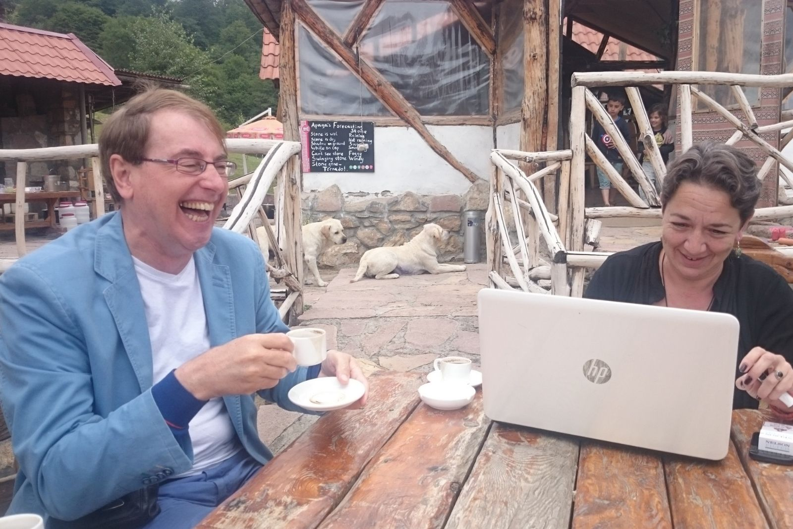 Yana Tchekhanovets and Rene Bekius having coffee break during Armenian language class at Armenian Studies summer school 2015