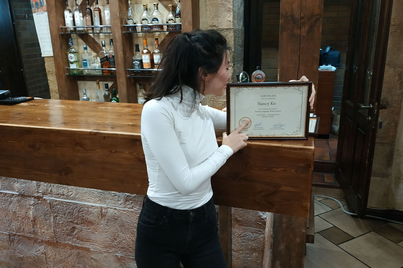 Persian language winter school 2018 participant and her certificate